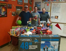 Zanesville Jaycees donate equipment to FES.